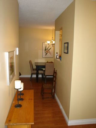 Photo 8: 101 36 E 14th Ave in Rosemount Manor: Home for sale