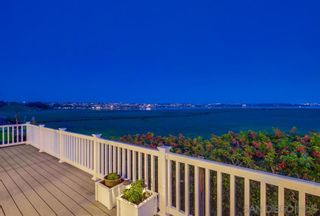 Photo 7: Condo for rent : 2 bedrooms : 3997 Crown Point #33 in San Diego