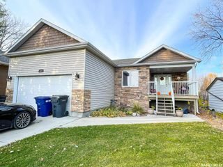 Photo 1: 705 2nd Avenue West in Meadow Lake: Residential for sale : MLS®# SK851053