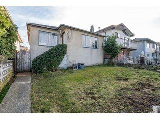Photo 1: 2768 PARKER Street in Vancouver: Renfrew VE House for sale (Vancouver East)  : MLS®# R2550810