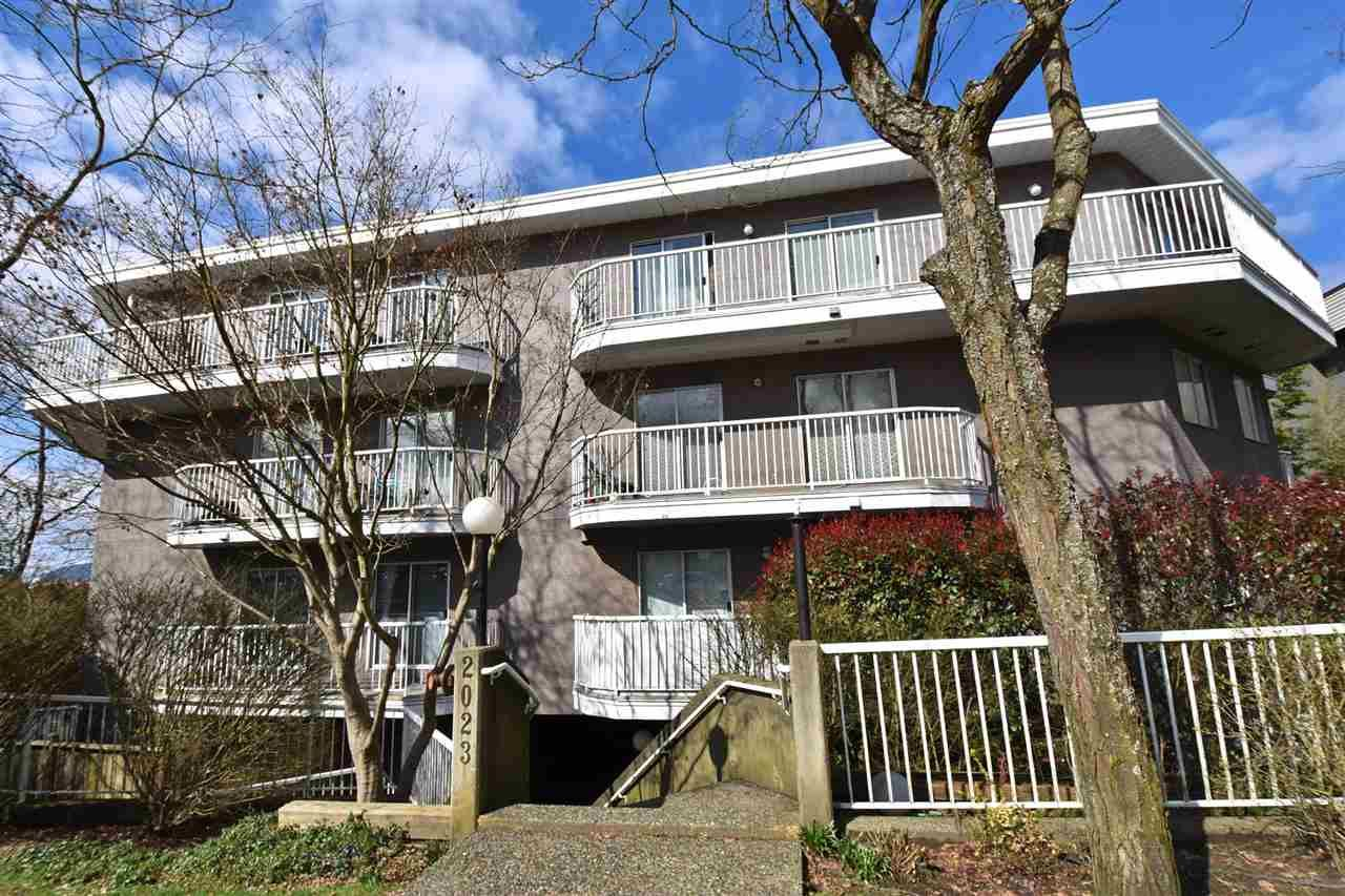 """Main Photo: 402 2023 FRANKLIN Street in Vancouver: Hastings Condo for sale in """"Leslie Point"""" (Vancouver East)  : MLS®# R2152702"""
