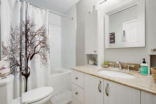 Photo 16: 2117 + 2119 4 AV NW in Calgary: West Hillhurst House for sale : MLS®# C4238056