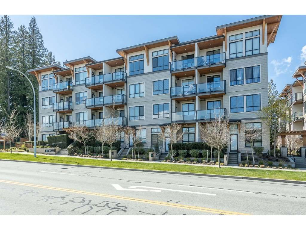 """Main Photo: 105 10455 154 Street in Surrey: Guildford Condo for sale in """"G3 RESIDENCES"""" (North Surrey)  : MLS®# R2449572"""