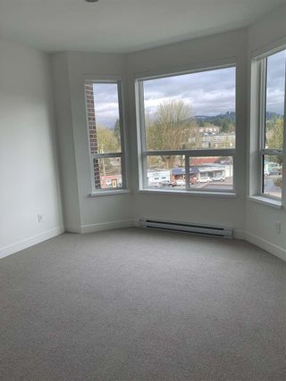 "Photo 7: 408 2493 MONTROSE Avenue in Abbotsford: Central Abbotsford Condo for sale in ""Upper Montrose"" : MLS®# R2539998"