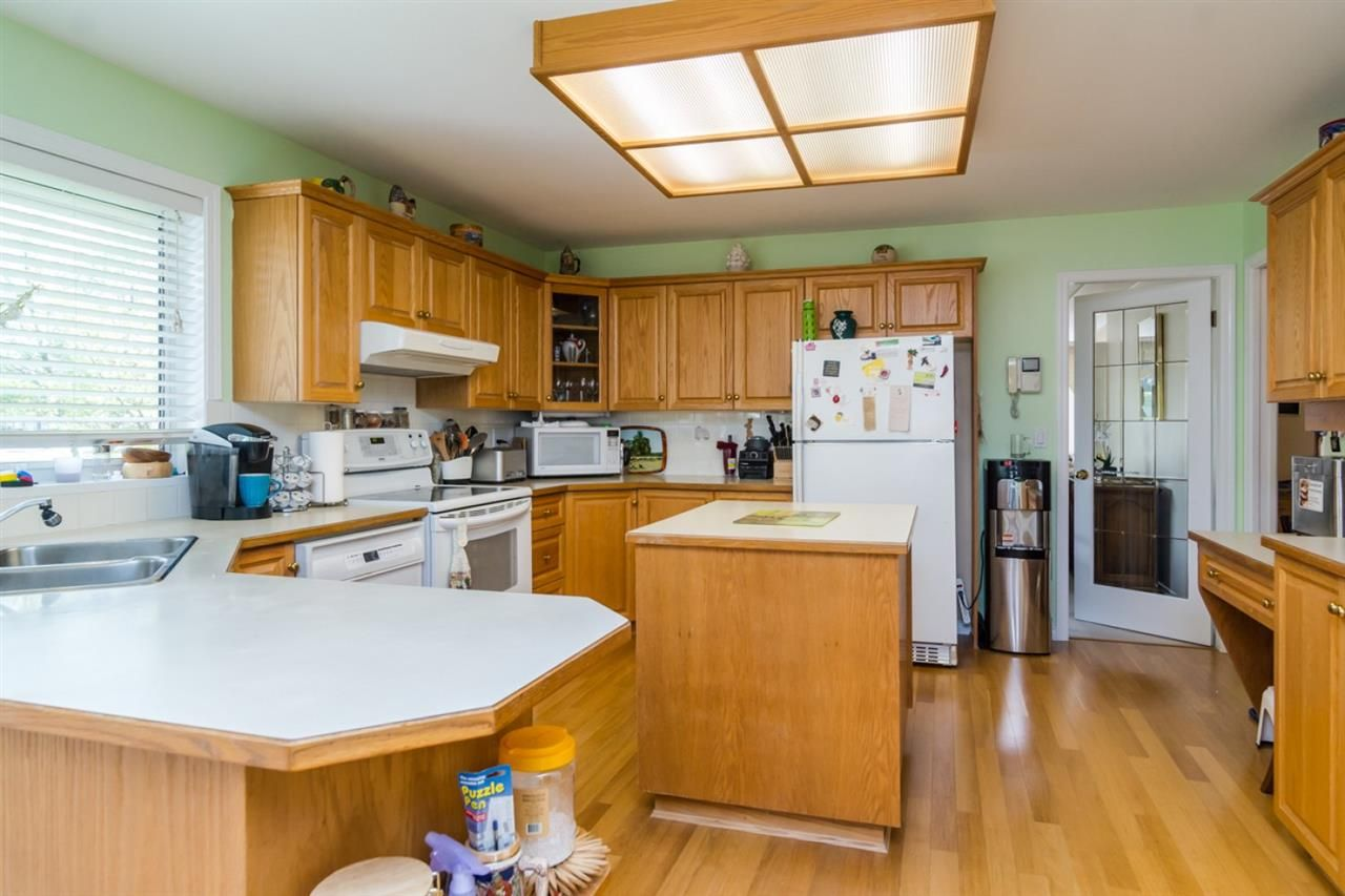 Photo 5: Photos: 15883 108TH Avenue in Surrey: Fraser Heights House for sale (North Surrey)  : MLS®# R2118938