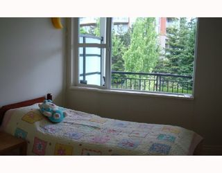 """Photo 6: 310 6888 SOUTHPOINT Drive in Burnaby: South Slope Condo for sale in """"CORTINA"""" (Burnaby South)  : MLS®# V714781"""