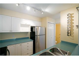 Photo 4: 7 2378 RINDALL Avenue in Port Coquitlam: Central Pt Coquitlam Condo for sale : MLS®# V947578