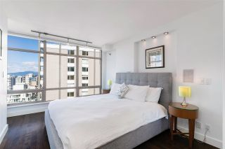 """Photo 8: 2003 1288 ALBERNI Street in Vancouver: West End VW Condo for sale in """"The Palisades"""" (Vancouver West)  : MLS®# R2591374"""