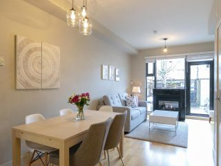 Photo 4: 3782 COMMERCIAL STREET in Vancouver: Victoria VE Townhouse for sale (Vancouver East)  : MLS®# R2258511