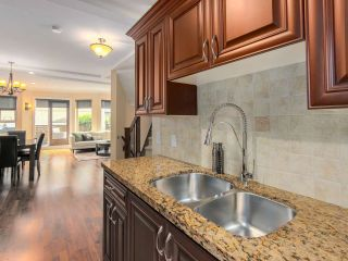 """Photo 10: 9 215 E 4TH Street in North Vancouver: Lower Lonsdale Townhouse for sale in """"ORCHARD TERRACE"""" : MLS®# R2539326"""