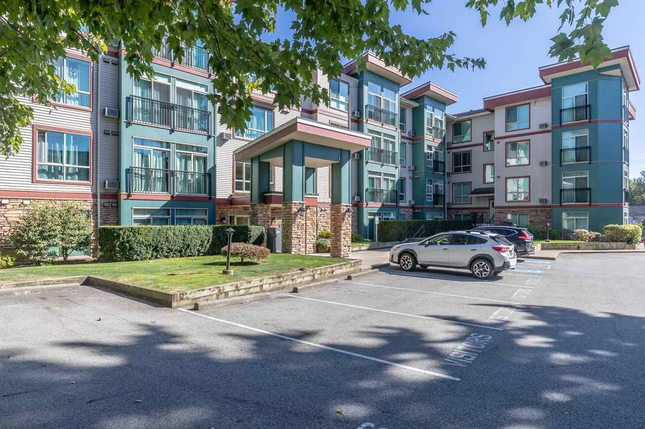 """Main Photo: 306 33485 SOUTH FRASER Way in Abbotsford: Central Abbotsford Condo for sale in """"CITADEL RIDGE"""" : MLS®# R2496142"""