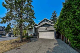 Photo 2: 19393 62Ave in Surrey: House for sale (Cloverdale)  : MLS®# R2296662