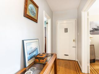 """Photo 6: 4530 BELMONT Avenue in Vancouver: Point Grey House for sale in """"Point Grey"""" (Vancouver West)  : MLS®# R2440130"""