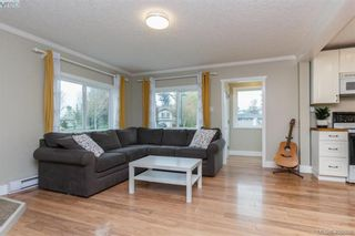 Photo 4: 193 Helmcken Rd in VICTORIA: VR View Royal House for sale (View Royal)  : MLS®# 812020
