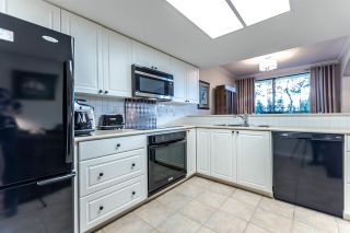 """Photo 7: 111 1785 MARTIN Drive in Surrey: Sunnyside Park Surrey Condo for sale in """"Southwynd"""" (South Surrey White Rock)  : MLS®# R2141403"""