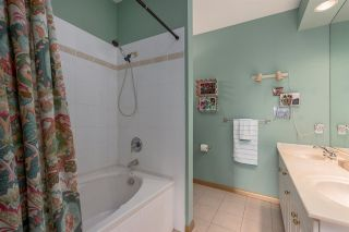 """Photo 13: 422 3098 GUILDFORD Way in Coquitlam: North Coquitlam Condo for sale in """"Marlborough House"""" : MLS®# R2490203"""