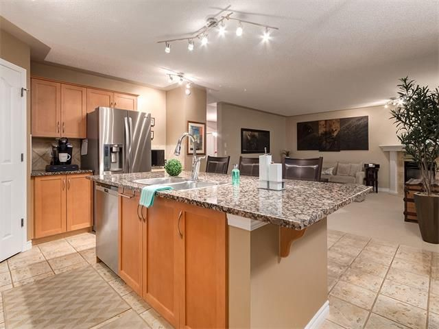 Photo 7: Photos: 40 COUGARSTONE Manor SW in Calgary: Cougar Ridge House for sale : MLS®# C4087798