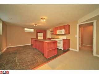 Photo 35: 6484 CLAYTONWOOD Gate in Surrey: Cloverdale BC House for sale (Cloverdale)  : MLS®# F1214656