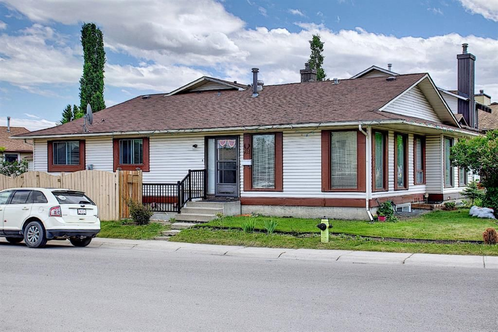 Main Photo: 217 Templemont Drive NE in Calgary: Temple Semi Detached for sale : MLS®# A1120693
