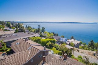 "Photo 9: 14310 SUNSET Drive: White Rock House for sale in ""White Rock Marine Dr. West"" (South Surrey White Rock)  : MLS®# R2536972"