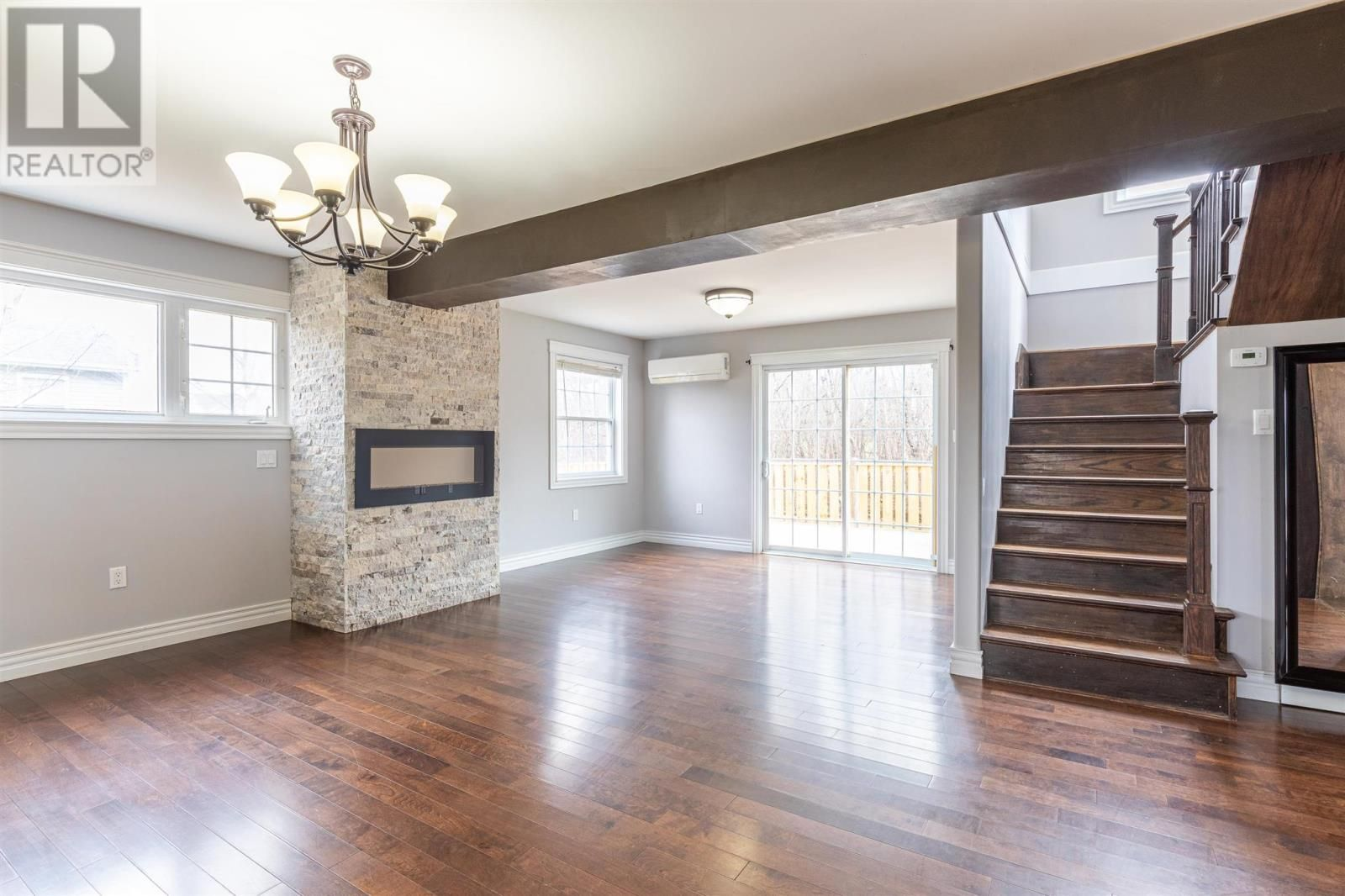 Photo 11: Photos: 5 Cherry Lane in Stratford: House for sale : MLS®# 202119303