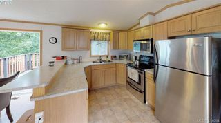 Photo 7: B7-920 Whittaker Road  |  Mobile Home For Sale