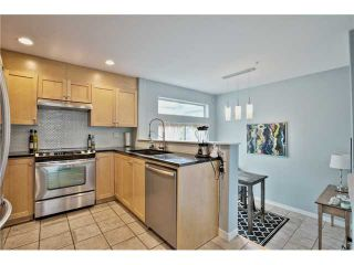 """Photo 7: 520 ST GEORGES Avenue in North Vancouver: Lower Lonsdale Townhouse for sale in """"STREAMLINE PLACE"""" : MLS®# V1067178"""