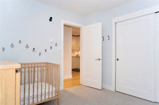 """Photo 12: 216 555 W 14TH Avenue in Vancouver: Fairview VW Condo for sale in """"The Cambridge"""" (Vancouver West)  : MLS®# R2447183"""