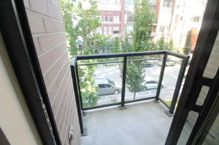 """Photo 1: 318 1295 RICHARDS Street in Vancouver: Yaletown Condo for sale in """"The Oscar"""" (Vancouver West)  : MLS®# R2528753"""