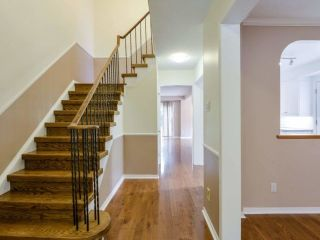 Photo 5: 229 Village Wood Road in Oakville: Bronte West House (2-Storey) for lease : MLS®# W5242624