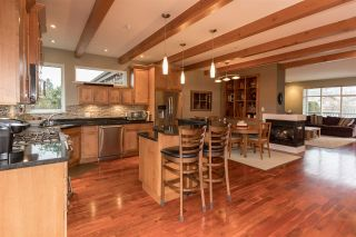 Photo 2: 39745 GOVERNMENT Road in Squamish: Northyards 1/2 Duplex for sale : MLS®# R2225663