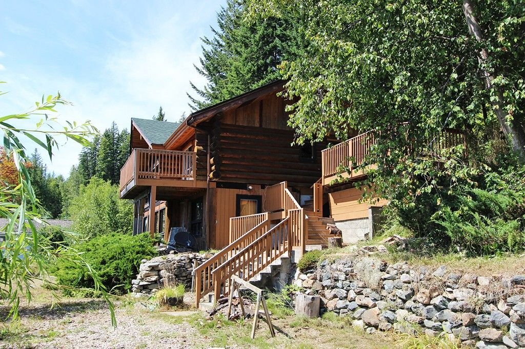Photo 16: Photos: 8079 Squilax Anglemont Highway: St. Ives House for sale (North Shuswap)  : MLS®# 10179329