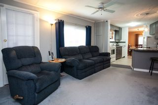 """Photo 8: 138 1840 160 Street in Surrey: King George Corridor Manufactured Home for sale in """"BREAKAWAY BAYS"""" (South Surrey White Rock)  : MLS®# R2010007"""