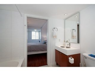 "Photo 13: 318 328 E 11TH Avenue in Vancouver: Mount Pleasant VE Condo for sale in ""Uno"" (Vancouver East)  : MLS®# V1061290"