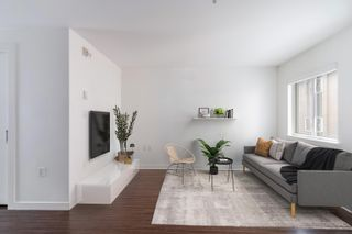 """Photo 3: 207 370 CARRALL Street in Vancouver: Downtown VE Condo for sale in """"21 Doors"""" (Vancouver East)  : MLS®# R2625412"""