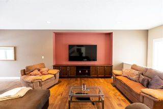 Photo 3: 19 Brockington Avenue in Winnipeg: Bridgwater Forest Residential for sale (1R)  : MLS®# 202103244