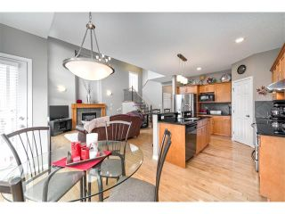 Photo 11: 131 Valley Stream Circle NW in Calgary: Valley Ridge House for sale : MLS®# C4092729