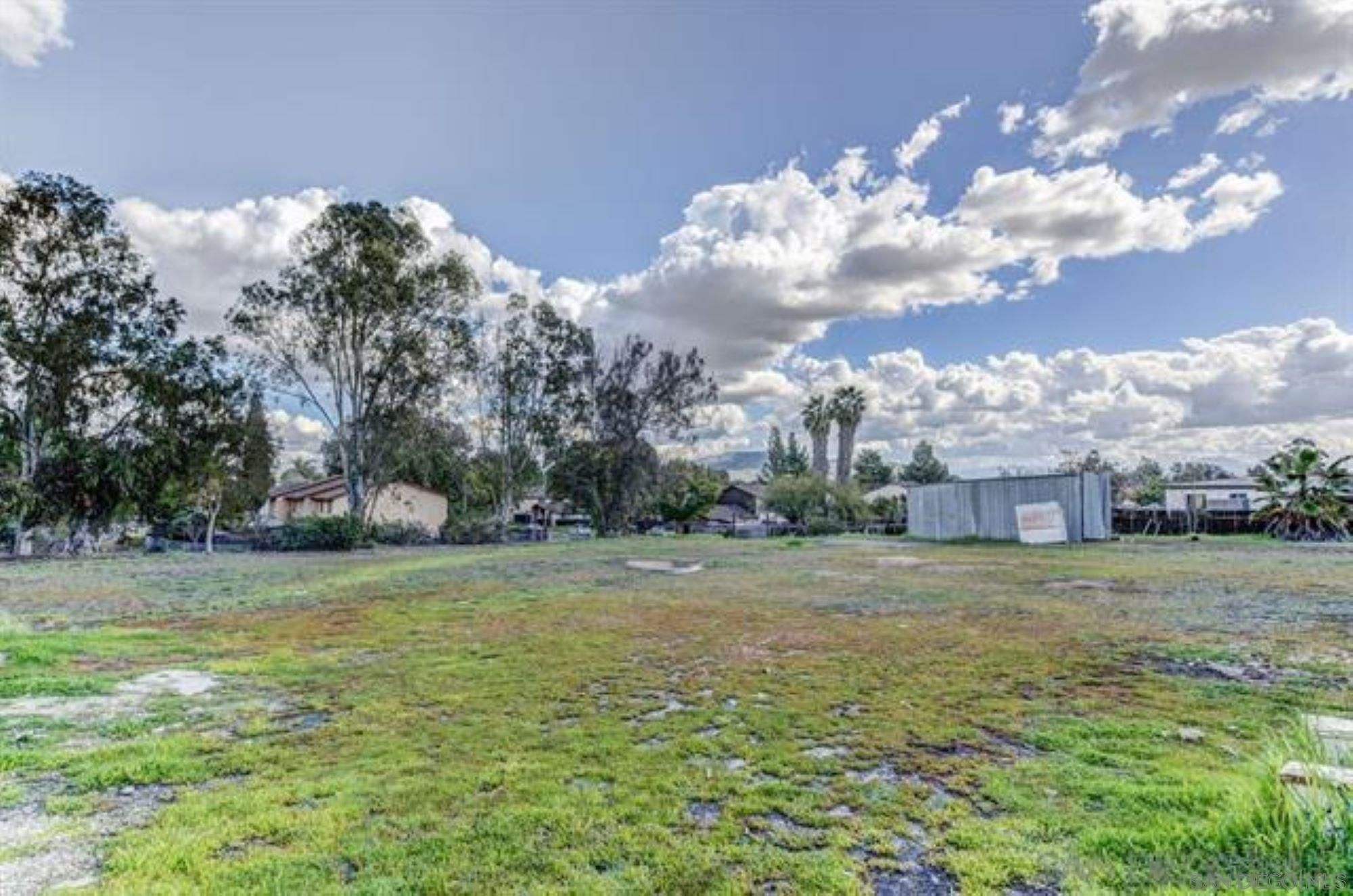 Main Photo: SANTEE House for sale : 2 bedrooms : 9945 Conejo Road