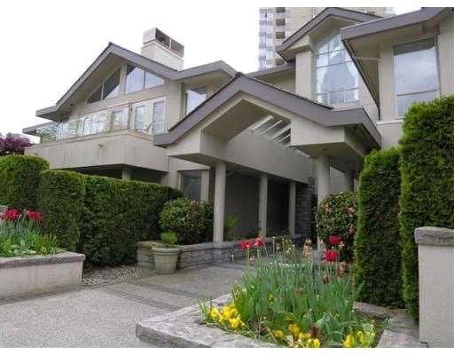 """Main Photo: B3 2202 MARINE DR in West Vancouver: Dundarave Condo for sale in """"STRATFORD COURT"""" : MLS®# V565590"""