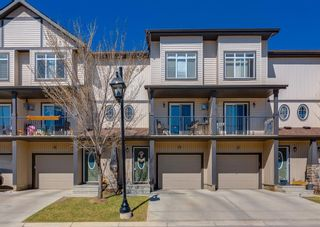 Photo 1: 285 Copperpond Landing SE in Calgary: Copperfield Row/Townhouse for sale : MLS®# A1098530