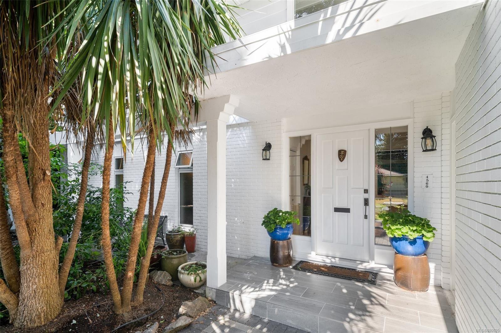 Main Photo: 4560 Balmacarra Rd in : SE Gordon Head House for sale (Saanich East)  : MLS®# 880025