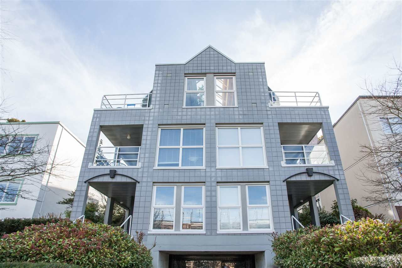 Photo 1: Photos: 2232 YORK Avenue in Vancouver: Kitsilano Townhouse for sale (Vancouver West)  : MLS®# R2255539