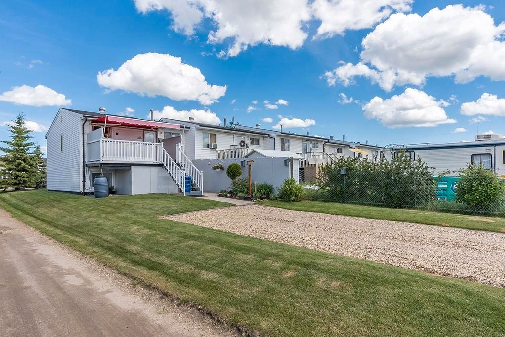 Photo 45: Photos: 5139 55 Avenue: Wetaskiwin Attached Home for sale : MLS®# E4249539