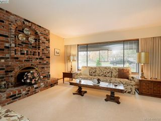 Photo 3: 4403 Robinwood Dr in VICTORIA: SE Gordon Head House for sale (Saanich East)  : MLS®# 801757