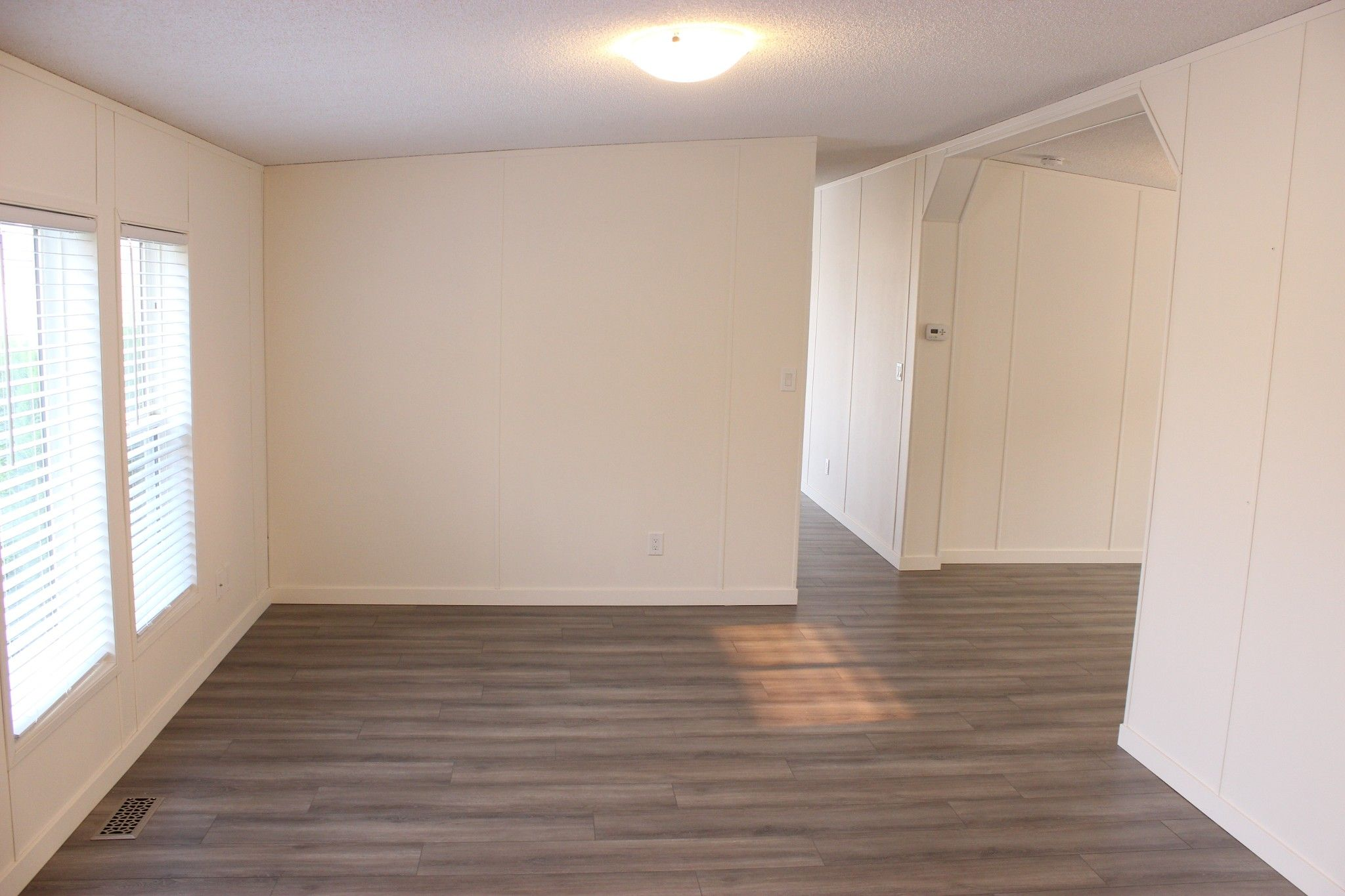 Photo 3: Photos: 22 3099 E Shuswap Road in Kamloops: South Thompson Valley Manufactured Home for sale : MLS®# 147827
