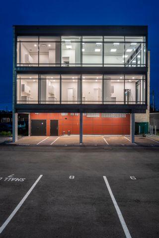 Photo 2: 100 11770 FRASER STREET in Maple Ridge: East Central Office for lease : MLS®# C8039775