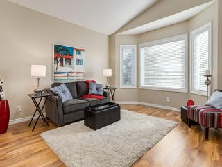 Photo 2: 13 SHAWGLEN Court SW in Calgary: Shawnessy House for sale : MLS®# C4142331