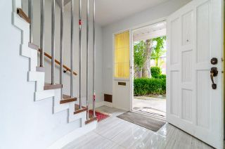 Photo 3: 7580 4TH Street in Burnaby: East Burnaby 1/2 Duplex for sale (Burnaby East)  : MLS®# R2474331
