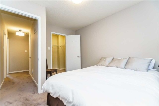 Photo 16: Photos: 48 1610 E Crawforth Street in Whitby: Blue Grass Meadows Condo for sale : MLS®# E4125009
