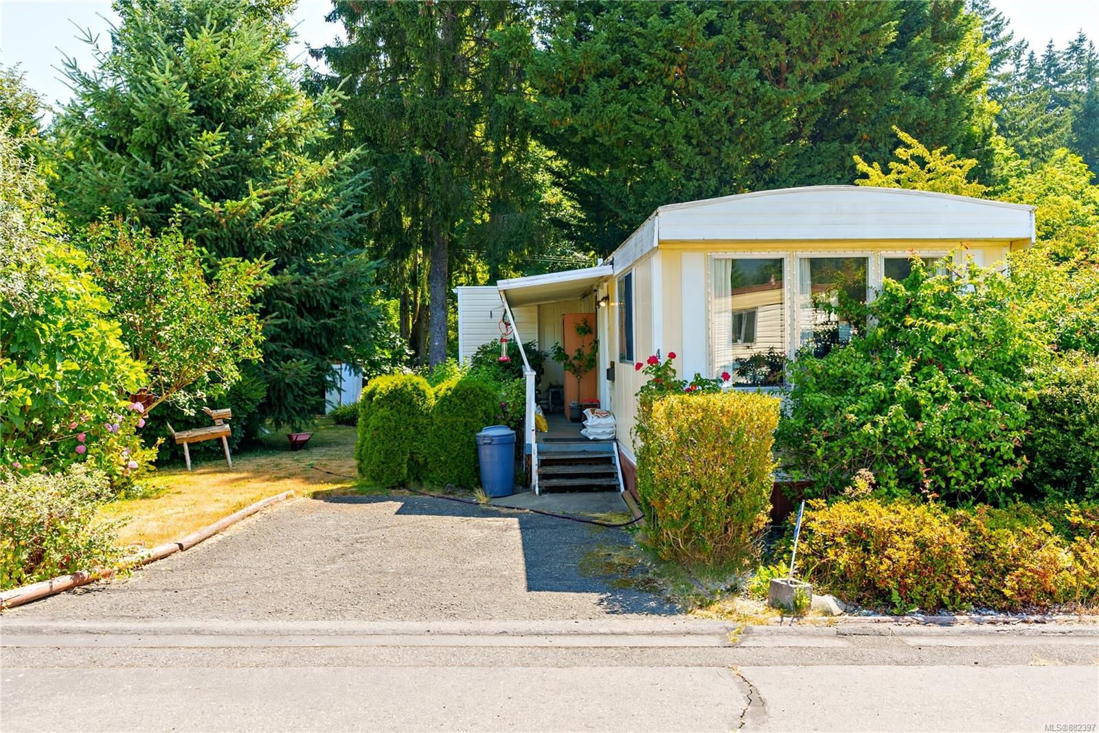 Main Photo: 48 Honey Dr in : Na South Nanaimo Manufactured Home for sale (Nanaimo)  : MLS®# 882397